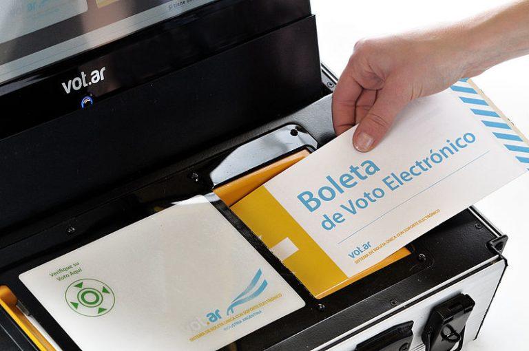 Vote en los Premios de elección del lector tecnológico del futuro y gane € 2,000