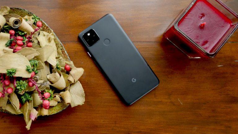 Google lanzará teléfono plegable en 2021 gracias a Samsung (informe)