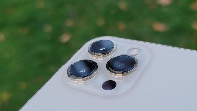 El iPhone 13 tiene la misma lente gran angular que la cámara del iPhone 12 (relación)