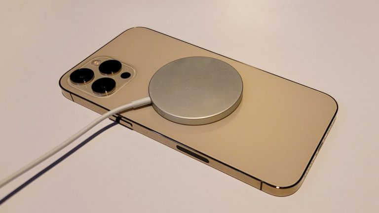 El consumo de batería del iPhone 13 es alentador y decepcionante