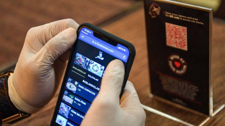 Puede rastrear códigos QR para menús de restaurantes e invadir su privacidad: así es como funciona