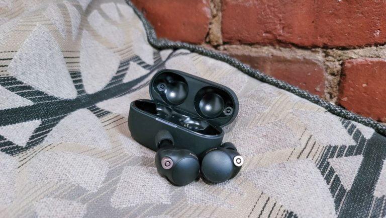 Revisión de los auriculares Sony WF-1000XM4    revista portátil
