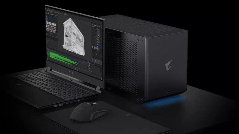 Llevando una nueva caja de juegos Gigabyte Nvidia RTX 3080 Ti Power GPU a su computadora portátil